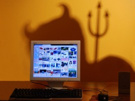 5 signs that it's time to burn old and scary website